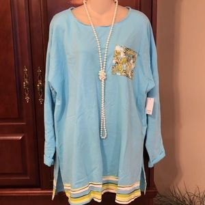 NWT XL Crown & Ivy gorgeous long top.
